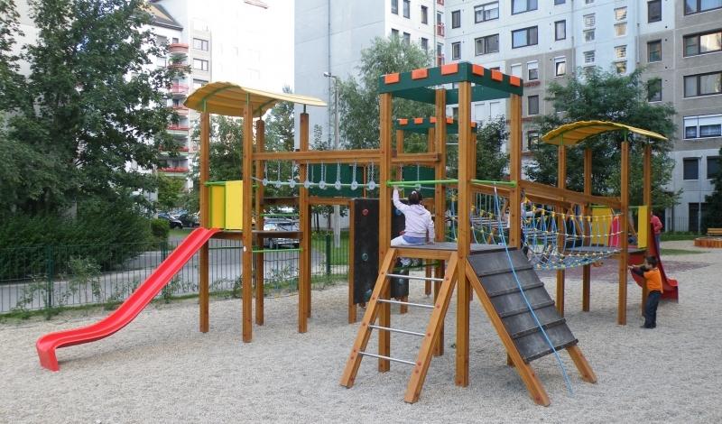 Közterületi Perpeto játszótér