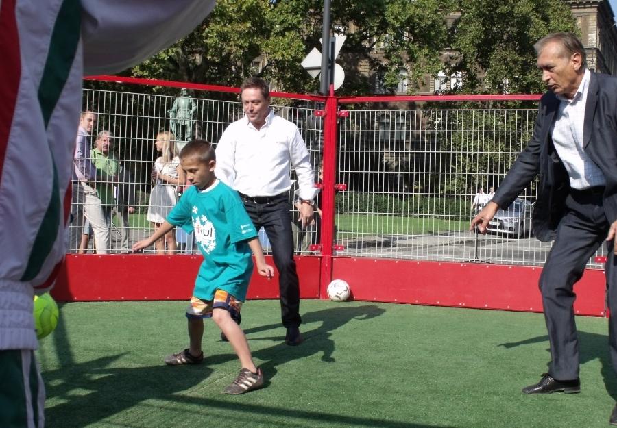 Panna foci - Dunai Antal és Nagy Tamás is kipróbálja a Panna arénát