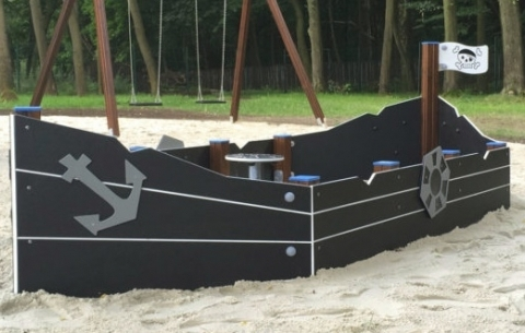 Hajó formájú homokozó
