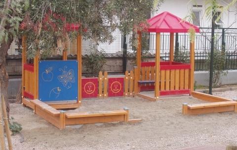 Játszóházak homokozóval